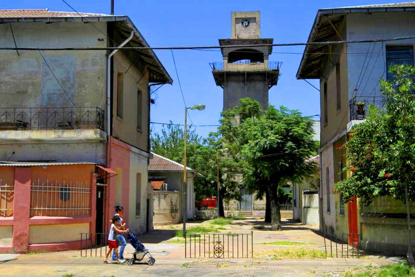 Colonia Obrera – Um bairro de uma quadra só em Nueva Pompeya