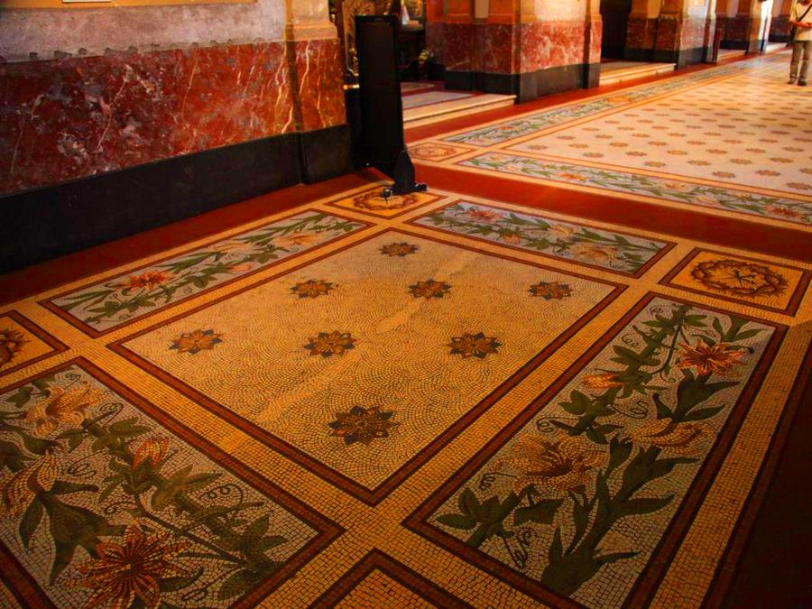 Detalhe em mosaico no piso da Catedral Metropolitana de Buenos Aires