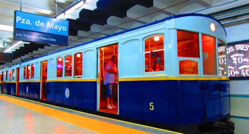 Vagão La Brugeoise restaurado para o Metrô de Buenos Aires (Subte Linea A)