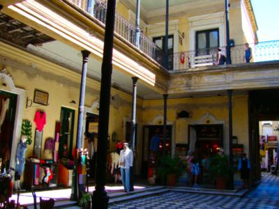 Pasaje de la Defensa - Antigo casarão histórico em San Telmo